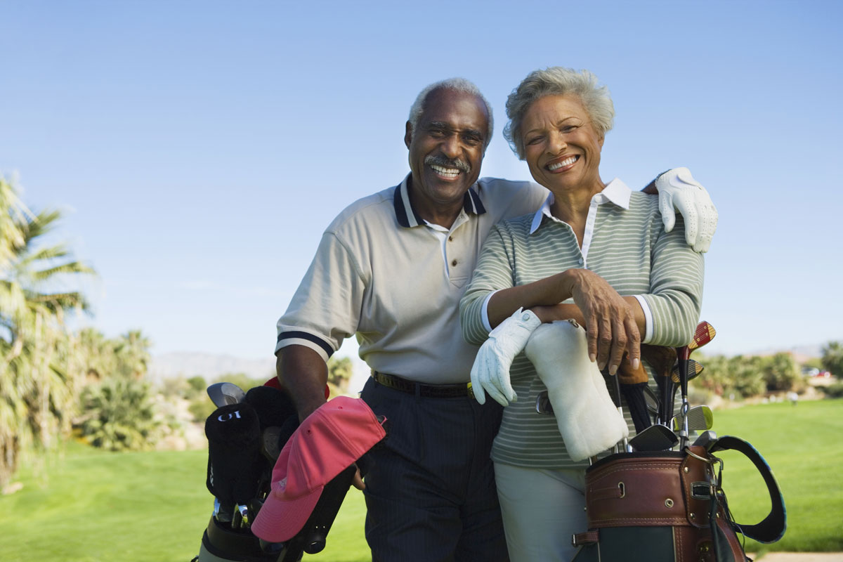 Couple-Golfing